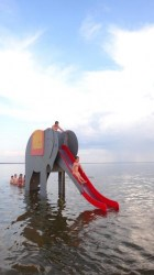 Parnu_beach_waterelephant_